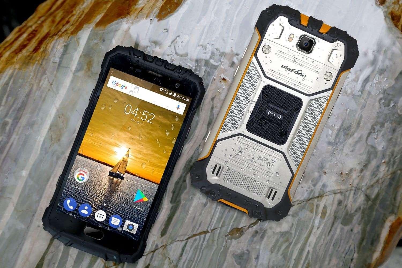 10 кращих протиударних і водонепроникних смартфонів