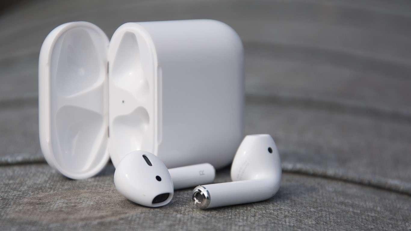 Огляд AirPods – інноваційні бездротові навушники для Apple iPhone 7 ... fc152d681bc8d