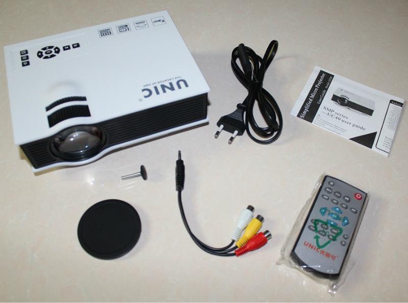 Unic UC40: міні-проектор на заміну 70-дюймового телевізора